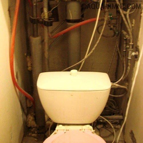 Как спрятать трубы в туалете — разбор 3-х популярных способа маскировки трубопровода