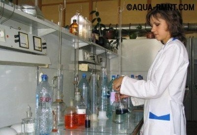 Анализ воды в лаборатории