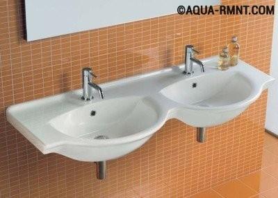 Двойная раковина в ванной