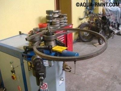 Электромеханический профилегиб в мастерской