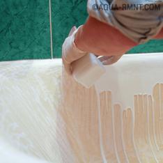 Восстановление эмалевого покрытия ванны жидким акрилом: разбираем «наливной» метод