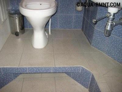 Как правильно перенести унитаз от стояка при совмещении ванны с туалетом?