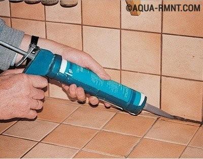 Цветной герметик для ванной
