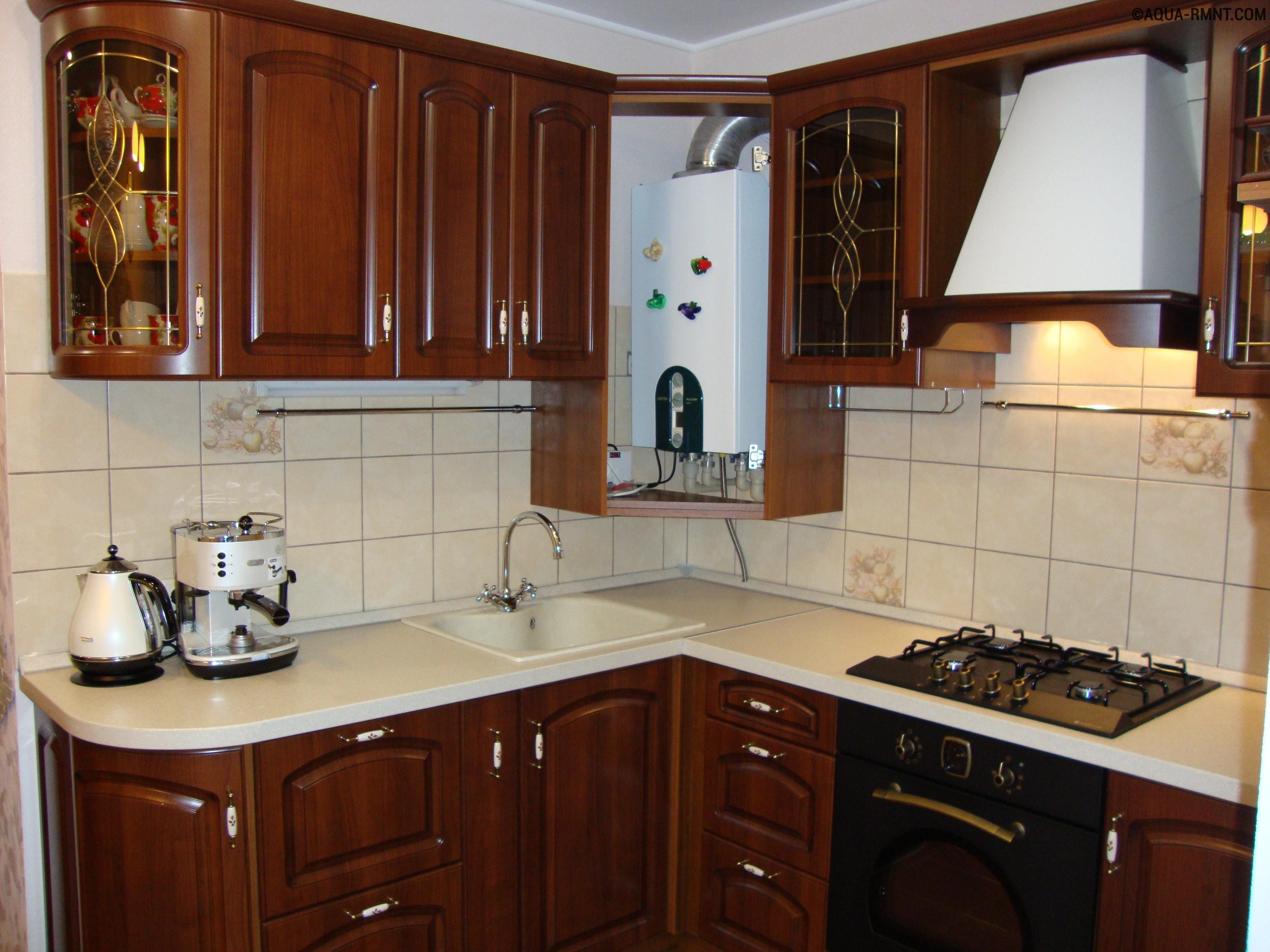 котел двухконтурный на кухне фото