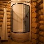 дизайн душевой в деревянном доме