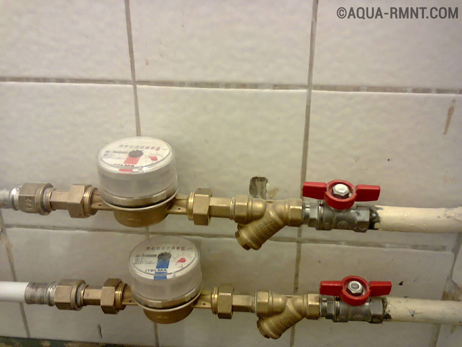Крутится счётчик, когда соседи включают холодную воду
