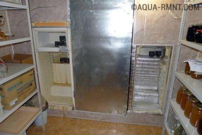 Холодильники в стене