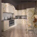 Вытяжка и кухонная мебель в стиле ар-нуво