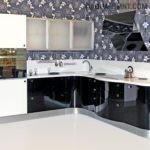 Вытяжка и кухонная мебель в стиле модерн