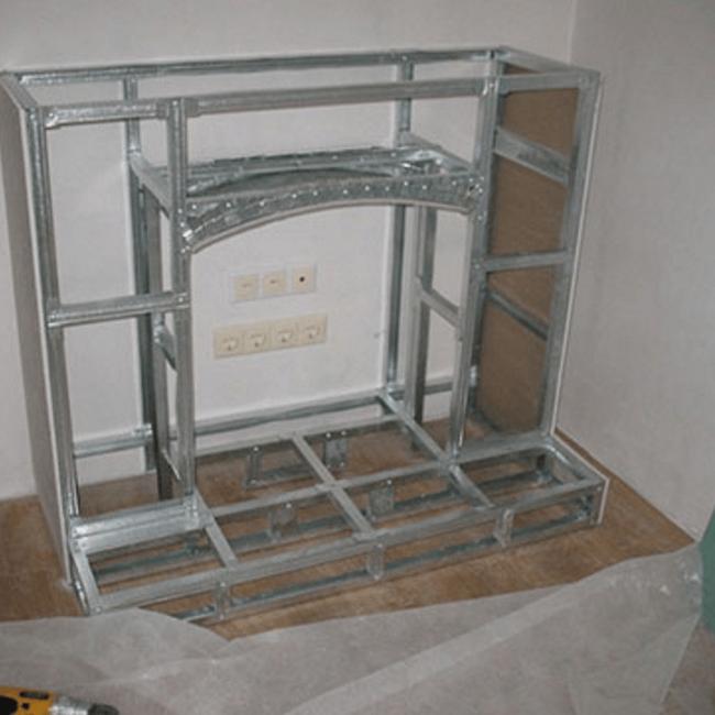 Каркас камина с обшивкой из гипсокартона