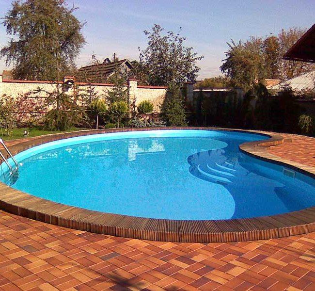 Открытый бассейн на даче
