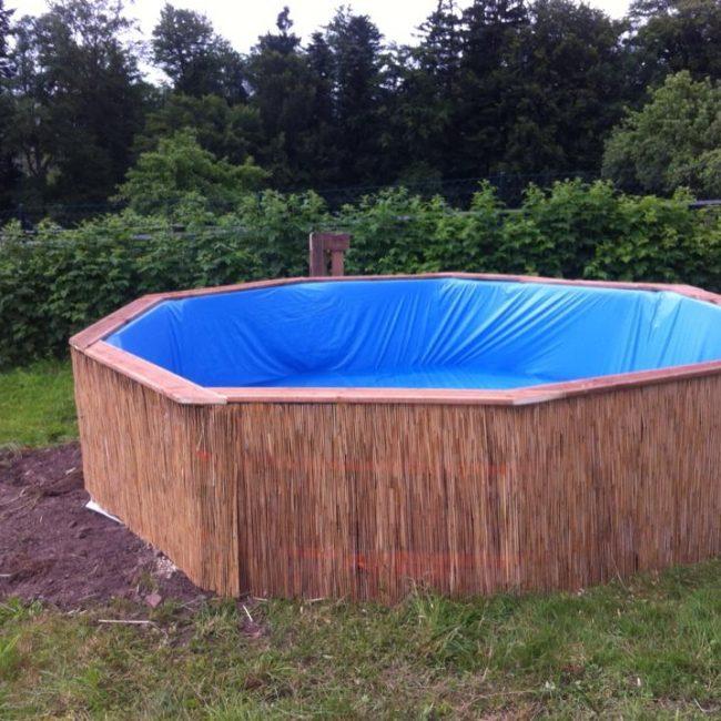 Готовый бассейн из поддонов