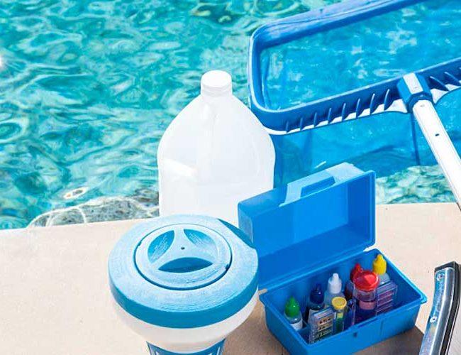 Средства для чистки бассейна