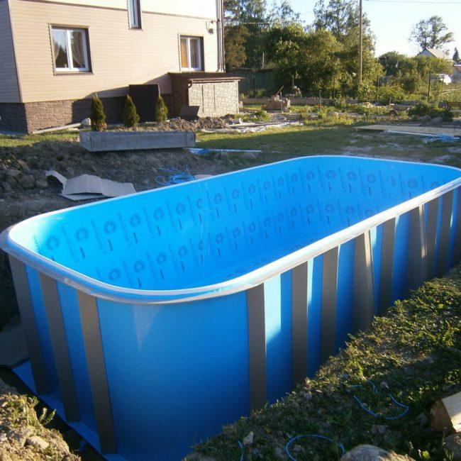 Установка полипропиленового бассейна в котлован