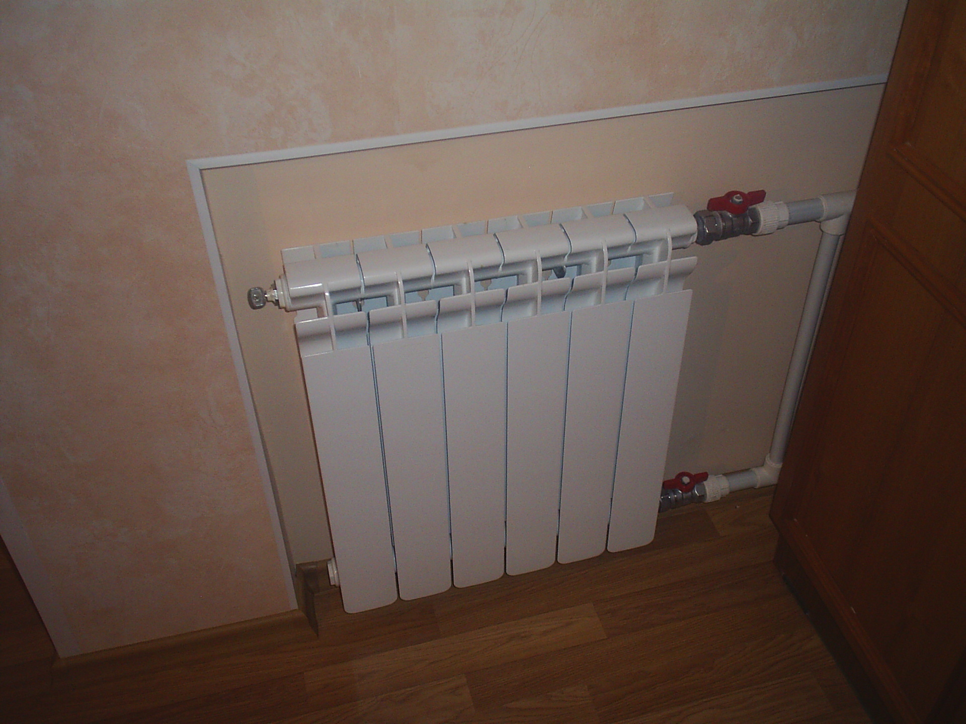 Установка вентиля на радиатор отопления
