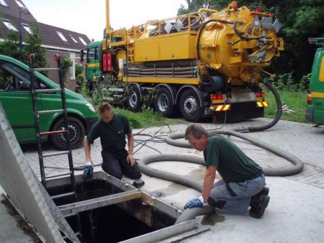 Очистка канализационного жироулавливателя