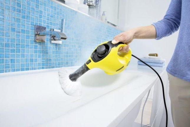Обработка акриловой ванны пароочистителем