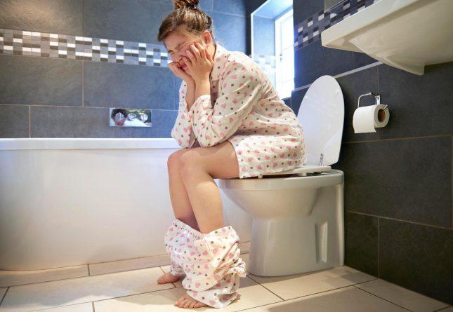 женщина ну туалете