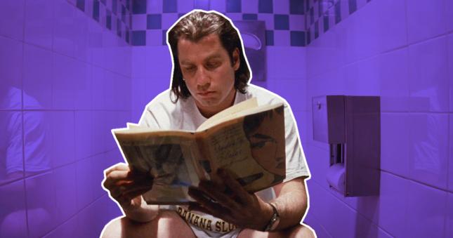 Джон Траволта читает в туалете