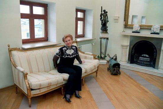 Елена Малышева у себя дома