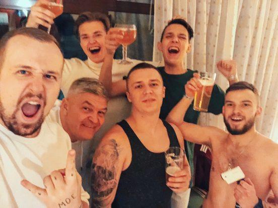 Тима Белорусских с друзьями