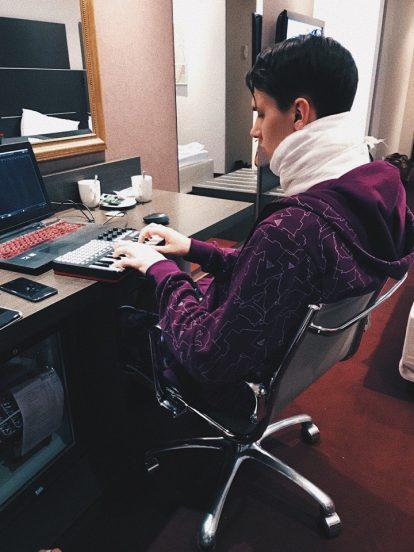 Тима Белорусских пишет музыку