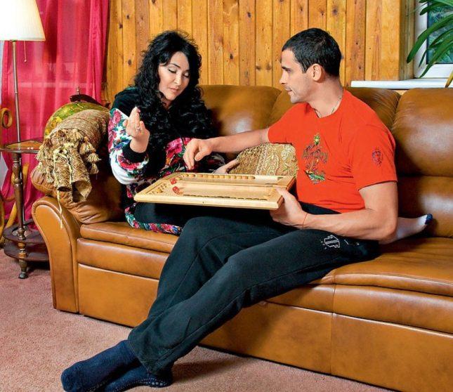 Лолита Милявская с мужем в квартире