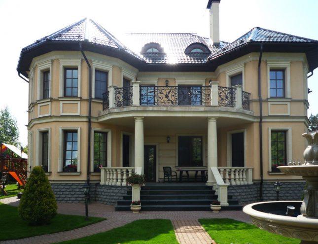 дом Евгения Петросяна