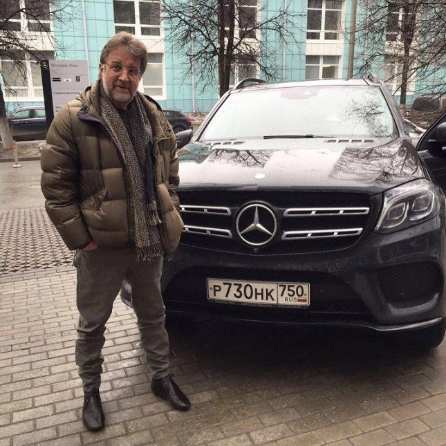 Леонид Ярмольник с машиной