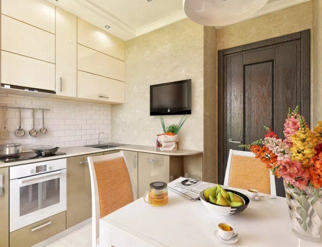 Кухня со схожей текстурой обоев и гарнитура