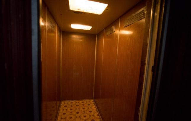 перекос кабины лифта