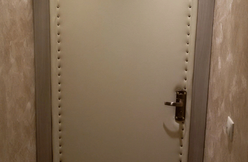 Эффективное утепление деревянной двери в 3 шага