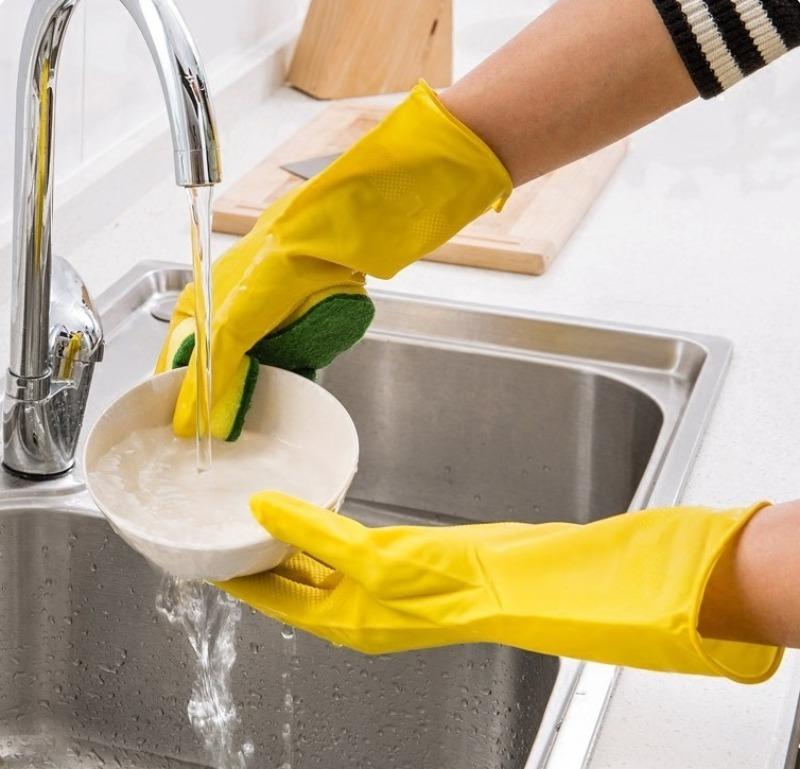 3 необычных способа эффективно вымыть хрустальную утварь с узким горлом
