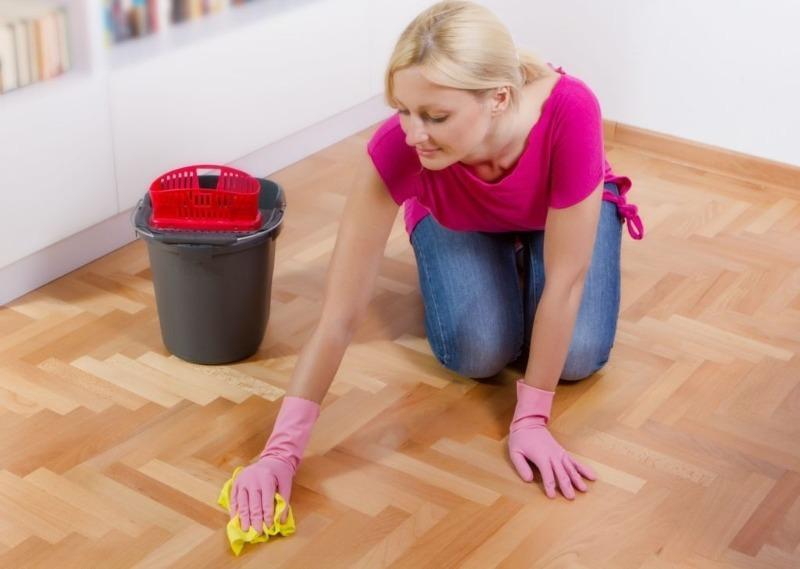 4 лайфхака, которые помогут качественно очистить пол от грязи