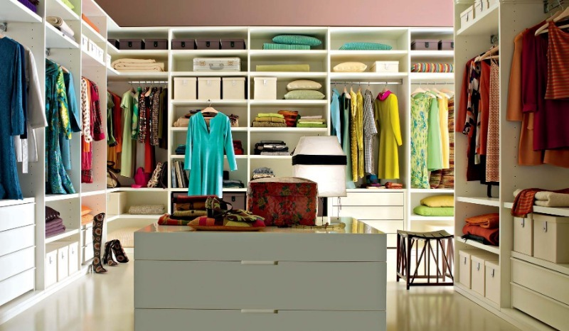 Как улучшить вешалки в шкафу, чтобы с них не спадали некоторые вещи